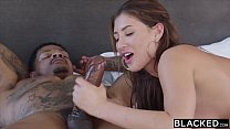 Sexo com duas gozadas amadoras na buceta lisinha