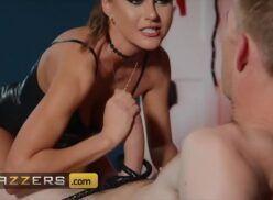 Fantasia porno com a cunhada safada no samba pornor