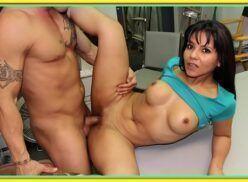 Kamilla werneck fodendo com o cara em porno doido