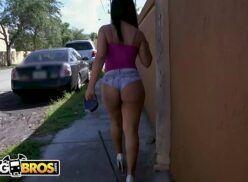 Leticia datena nua fodendo com o cara que encontrou na rua